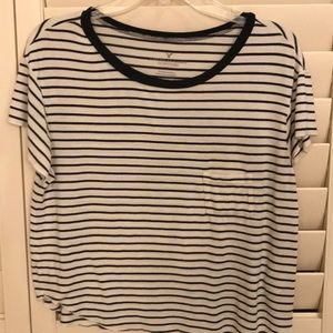 American Eagle Outfitters black and white top